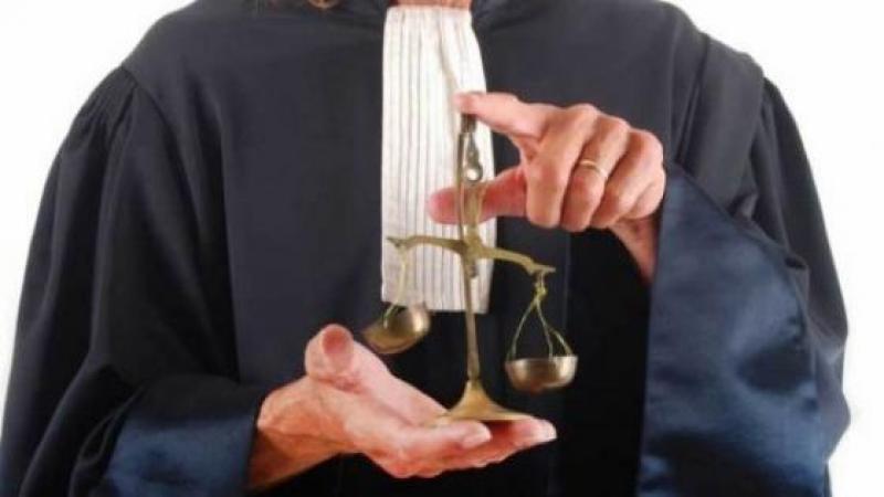 Un avocat qui semble ignorer le règlement du Conseil national des...avocats
