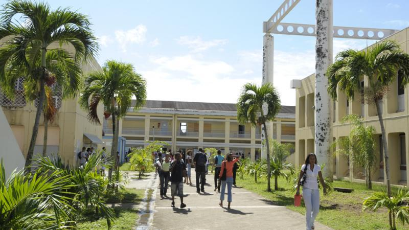 LE POLE MARTINIQUE DE L'UNIVERSITE DES ANTILLES FACE AU COVID-19