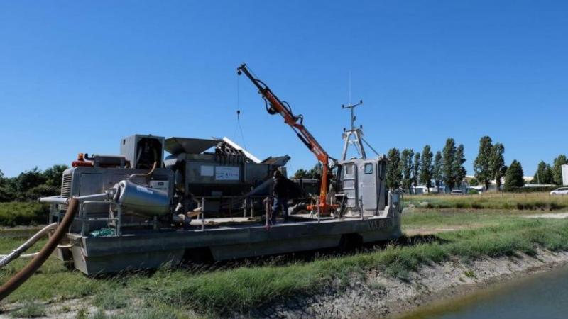 un aspirateur géant pour nettoyer les côtes antillaises envahies par les sargasses