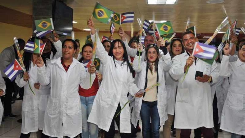 Regresan a Cuba cinco mil médicos que trabajaron en zonas pobres de Brasil