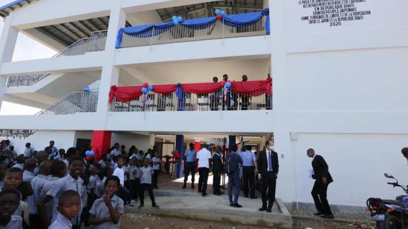 L'ambassade du Japon remet 12 écoles flambant neuves au gouvernement haïtien