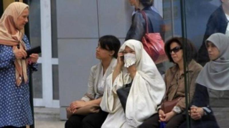 EN ALGERIE, LES FEMMES SONT MIEUX PAYEES ET PLUS QUALIFIEES QUE LES HOMMES