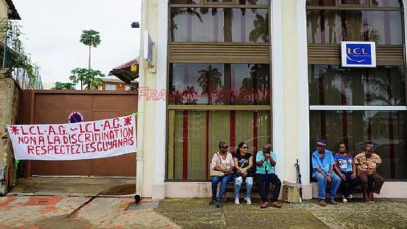 Grève des agences LCL aux Antilles-Guyane surchauffée par un mail raciste en interne
