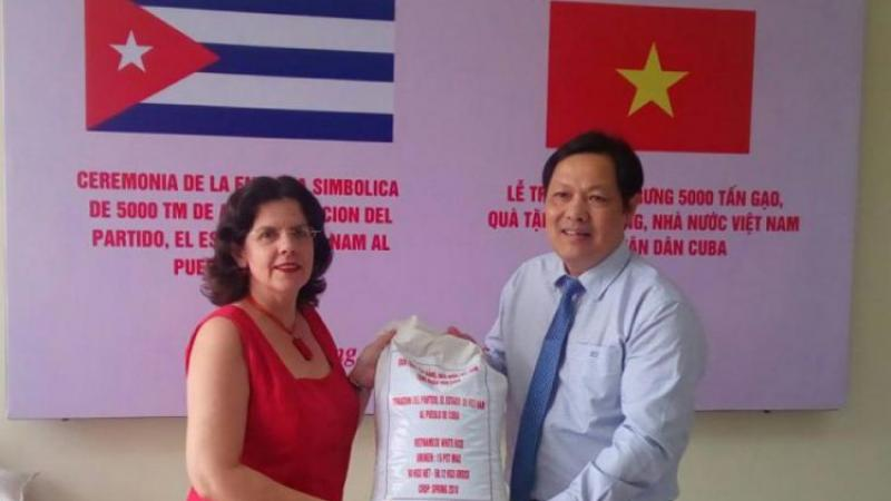 Vietnam dona a Cuba 5 mil toneladas de arroz para hacer frente a la escasez de alimentos en medio de la pandemia del coronavirus