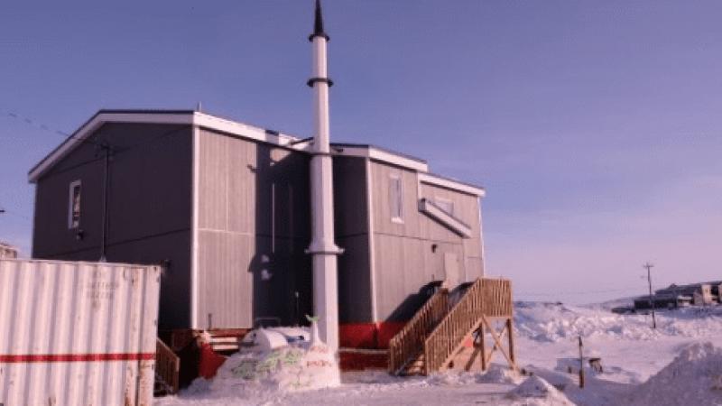 Grand Nord canadien : une mosquée perdue dans une étendue de glace