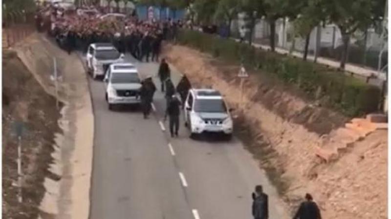 Els veïns de Mont-roig del Camp expulsen la Guàrdia Civil del municipi