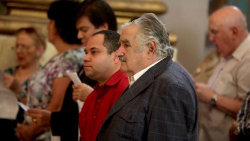 PEPE MUJICA RECHAZA NOBEL DE LA PAZ, CREE HIPOCRITA CRITICAR A CUBA Y A VENEZUELA MIENTRAS SE TOLERA A CHINA