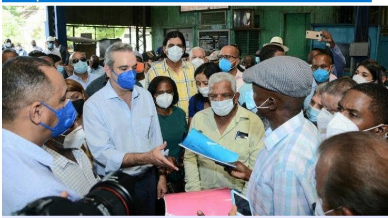 Abinader verse une pension mensuelle de RD$10 000 à 295 anciens coupeurs de canne-à-sucre (braceros) dans les bateys dominicains