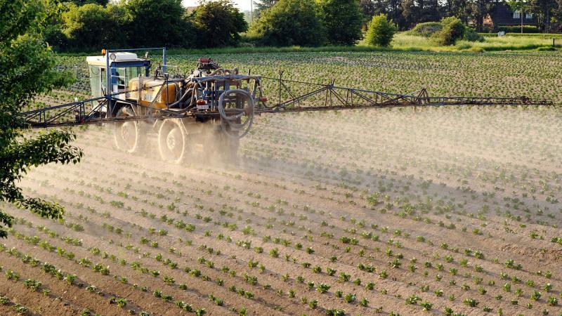 Des arrêtés municipaux anti-pesticides suspendus par la justice en région parisienne