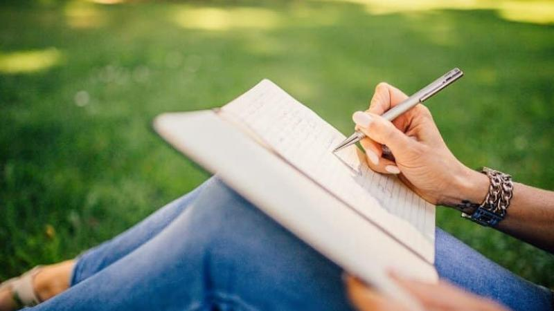 Stronger Brain Activity After Writing on Paper Than on Tablet or Smartphone