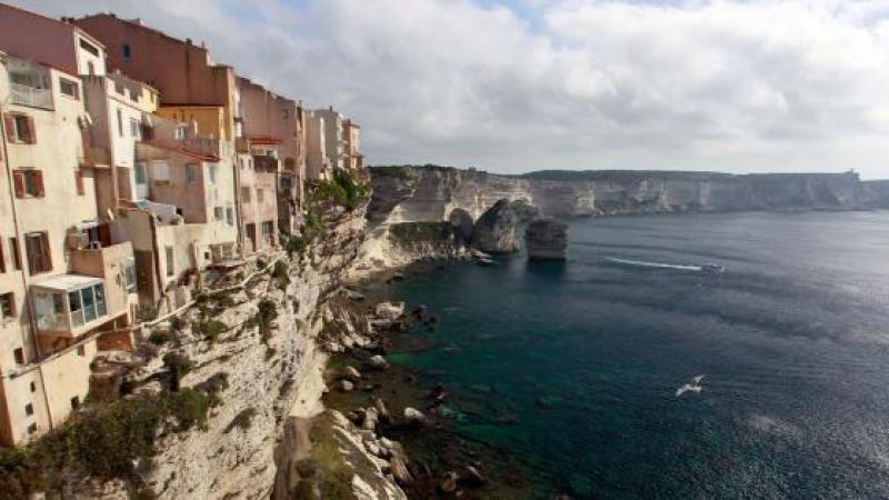 Il faudra résider en Corse depuis cinq ans pour y devenir propriétaire